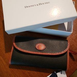 Brand New Dooney and Bourke SF Giants Wallet